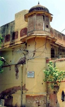 Temple, Chowkri Sarhad